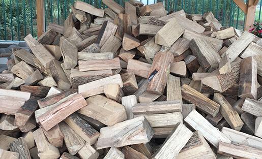 Le libre service du bois de chauffage 90